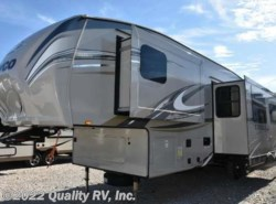 Used 2017  Jayco Eagle HT 29.5BHDS by Jayco from Quality RV, Inc. in Linn Creek, MO
