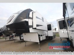 New 2017  Dutchmen Voltage V3815 by Dutchmen from ExploreUSA RV Supercenter - MESQUITE, TX in Mesquite, TX