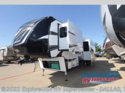 New 2017  Dutchmen Voltage V4150 by Dutchmen from ExploreUSA RV Supercenter - MESQUITE, TX in Mesquite, TX