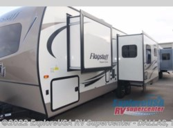 New 2018  Forest River Flagstaff Super Lite 26RLWS by Forest River from ExploreUSA RV Supercenter - MESQUITE, TX in Mesquite, TX