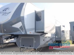 New 2018  Highland Ridge Open Range Roamer RF371MBH by Highland Ridge from ExploreUSA RV Supercenter - MESQUITE, TX in Mesquite, TX