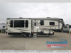Used 2017  Heartland RV Bighorn 3160 Elite by Heartland RV from ExploreUSA RV Supercenter - MESQUITE, TX in Mesquite, TX