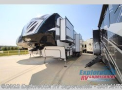 New 2018  Dutchmen Voltage V3805 by Dutchmen from ExploreUSA RV Supercenter - SAN ANTONIO, TX in San Antonio, TX
