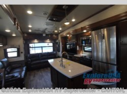 New 2018  Heartland RV Bighorn Traveler 39MB by Heartland RV from ExploreUSA RV Supercenter - CANTON, TX in Wills Point, TX