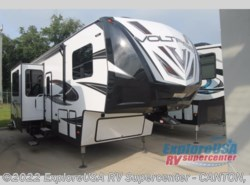 New 2018  Dutchmen Voltage V3805 by Dutchmen from ExploreUSA RV Supercenter - CANTON, TX in Wills Point, TX