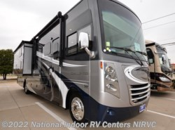 Used 2017  Thor Motor Coach Challenger  by Thor Motor Coach from National Indoor RV Centers in Lewisville, TX