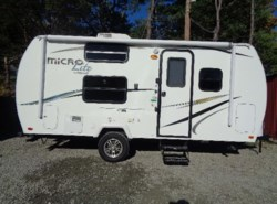 Used 2014  Forest River Flagstaff Micro Lite 19FD by Forest River from Schreck RV Center in Apollo, PA