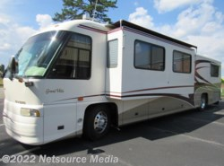 Used 2001  Foretravel  GrandVilla by Foretravel from Karolina Koaches Inc in Piedmont, SC