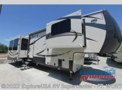 New 2017  CrossRoads Cameo CM38RL by CrossRoads from ExploreUSA RV Supercenter - FT. WORTH, TX in Ft. Worth, TX