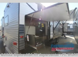 New 2019  CrossRoads Longhorn 328SB by CrossRoads from ExploreUSA RV Supercenter - FT. WORTH, TX in Ft. Worth, TX