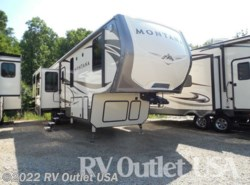 New 2017  Keystone Montana 3791RD by Keystone from RV Outlet USA in Ringgold, VA