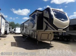 New 2018  Keystone Montana High Country 381TH by Keystone from RV Outlet USA in Ringgold, VA