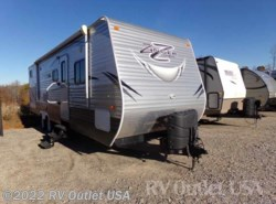Used 2015  CrossRoads Zinger 30KB by CrossRoads from RV Outlet USA in Ringgold, VA