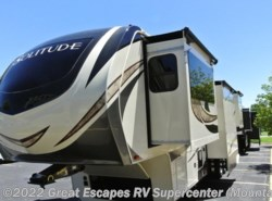 New 2018  Grand Design Solitude 374TH-R by Grand Design from Great Escapes RV Supercenter in Gassville, AR