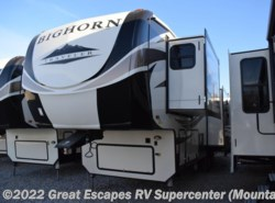 New 2018  Heartland RV Bighorn Traveler 32RS by Heartland RV from Great Escapes RV Center in Gassville, AR