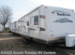 Used 2009  Forest River Salem 302QBSS LA by Forest River from Scenic Traveler RV Centers in Baraboo, WI