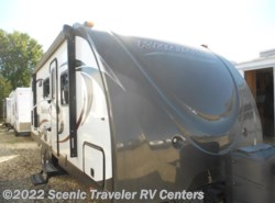 Used 2015  Cruiser RV Radiance R-24BHDS by Cruiser RV from Scenic Traveler RV Centers in Slinger, WI
