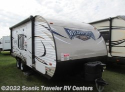 Used 2017  Forest River Wildwood X-Lite 201BHXL by Forest River from Scenic Traveler RV Centers in Baraboo, WI