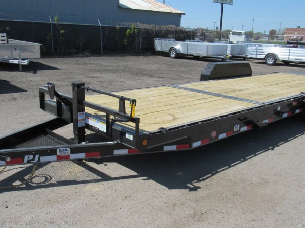2022 PJ Trailers Tilt available in East Bethel, MN