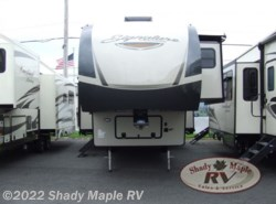 New 2019 Forest River Rockwood Signature Ultra Lite 8290BS available in East Earl, Pennsylvania