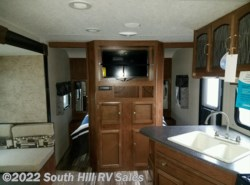 New 2017  Coachmen Freedom Express 25SE by Coachmen from South Hill RV Sales in Puyallup, WA