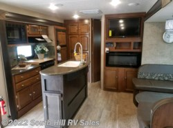 New 2018  Coachmen Freedom Express 320BHDSLE by Coachmen from South Hill RV Sales in Puyallup, WA