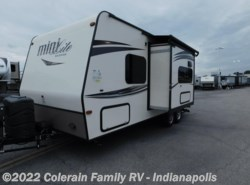 Used 2016  Forest River Rockwood Mini Light 21 by Forest River from Colerain RV of Indy in Indianapolis, IN