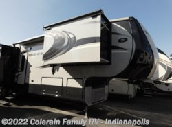 Used 2014  CrossRoads Rushmore WASHINGTON by CrossRoads from Colerain RV of Indy in Indianapolis, IN