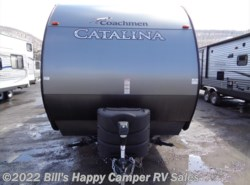 Used 2017  Coachmen Catalina 323TSQB by Coachmen from Bill's Happy Camper RV Sales in Mill Hall, PA