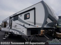 New 2018  Highland Ridge Roamer 337RLS by Highland Ridge from Tennessee RV Supercenter in Knoxville, TN