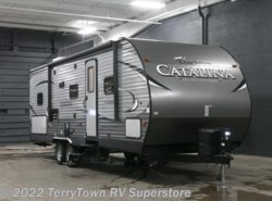 New 2017  Coachmen Catalina Legacy Edition 273DBS by Coachmen from TerryTown RV Superstore in Grand Rapids, MI