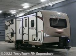 New 2018  Forest River Rockwood Ultra Lite 2304DS by Forest River from TerryTown RV Superstore in Grand Rapids, MI
