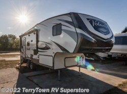 Used 2017  CrossRoads Volante 240 RL by CrossRoads from TerryTown RV Superstore in Grand Rapids, MI