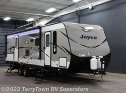 New 2018  Jayco Jay Flight 28BHS by Jayco from TerryTown RV Superstore in Grand Rapids, MI