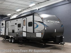 New 2018  Coachmen Catalina Legacy Edition 323BHDS CK by Coachmen from TerryTown RV Superstore in Grand Rapids, MI