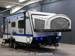 New 2018  Jayco Jay Feather X19H by Jayco from TerryTown RV Superstore in Grand Rapids, MI