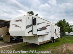 Used 2009  CrossRoads Cameo 35FB3 by CrossRoads from TerryTown RV Superstore in Grand Rapids, MI