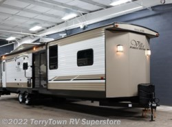 New 2018  Forest River Salem Villa Classic 426-2BLTD by Forest River from TerryTown RV Superstore in Grand Rapids, MI
