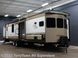 New 2018  Forest River Salem Villa Classic 395FKLTD by Forest River from TerryTown RV Superstore in Grand Rapids, MI