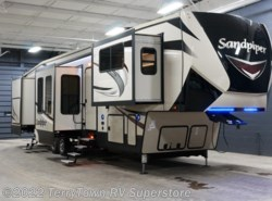 New 2018  Forest River Sandpiper 379FLOK by Forest River from TerryTown RV Superstore in Grand Rapids, MI