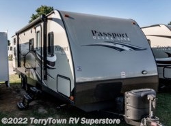Used 2016  Keystone Passport 2920BH by Keystone from TerryTown RV Superstore in Grand Rapids, MI