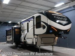 New 2018  Keystone Cougar Half Ton 30RLS by Keystone from TerryTown RV Superstore in Grand Rapids, MI