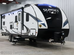 New 2018  CrossRoads Sunset Trail Super Lite 262BH by CrossRoads from TerryTown RV Superstore in Grand Rapids, MI