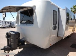Used 2013  Keystone Vantage 32FLS by Keystone from Auto Corral RV in Mesa, AZ