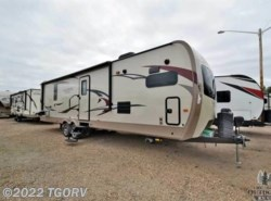 New 2017  Forest River Rockwood Signature Ultra Lite Travel Trailer 8335BSS by Forest River from The Great Outdoors RV in Evans, CO