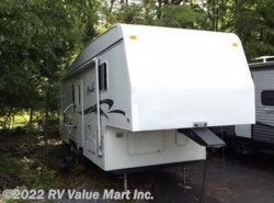 Used 1999  Fleetwood Prowler 27.5 J by Fleetwood from RV Value Mart Inc. in Lititz, PA