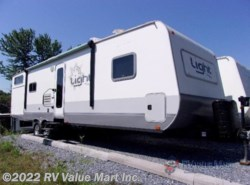 Used 2013 Highland Ridge Light LT305BHS available in Lititz, Pennsylvania