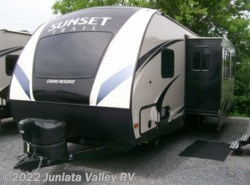 New 2017  CrossRoads Sunset Trail Grand Reserve ST28BH by CrossRoads from Juniata Valley RV in Mifflintown, PA