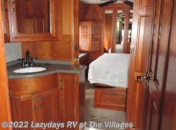 Used 2005  Cobra American TRADITION 40V by Cobra from Alliance Coach in Wildwood, FL