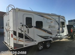 Used 2014  Lance TT 1685 by Lance from www.RVToscano.com in Los Banos, CA